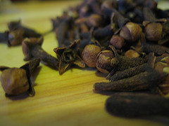 clove oil for a toothache